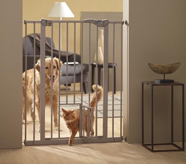 Savic Dog Barrier dveřní zábrana vnitřní s dvířky 107cm